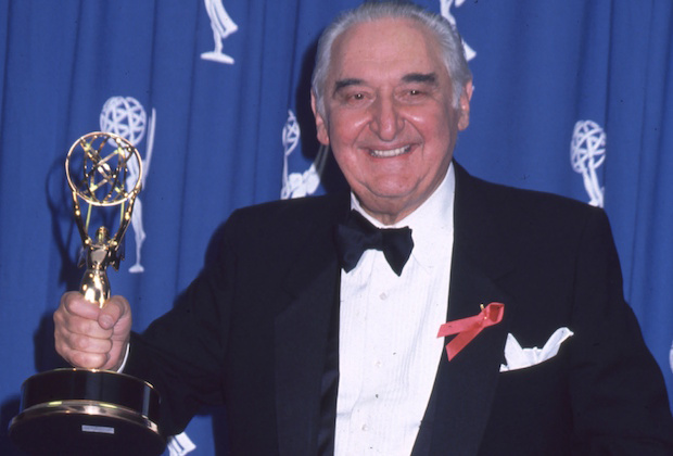 Mandatory Credit: Photo by BEI/BEI/Shutterstock (5134413f) Fyvush Finkel Archive Photos Fyvush Finkel . 1994 Emmy Awards Photo®Berliner Studio/BEImages